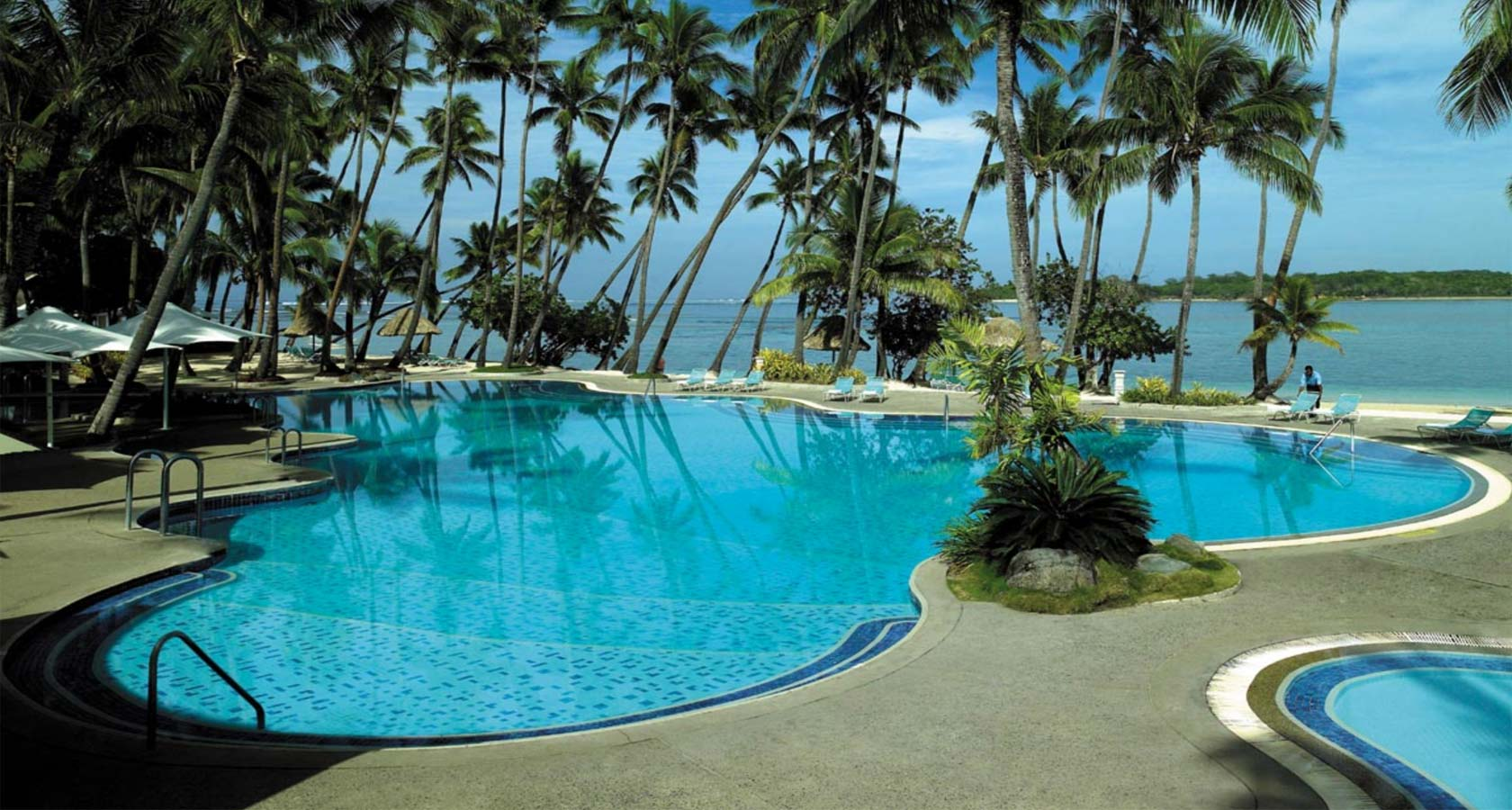 SHANGRI-LA's FIJI RESORT pool