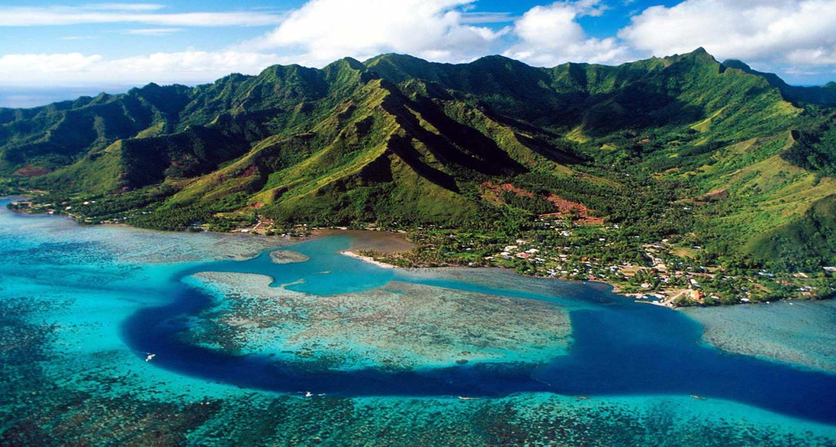 HONEYMOON DESTINATIONS Tahiti Opunohu Bay