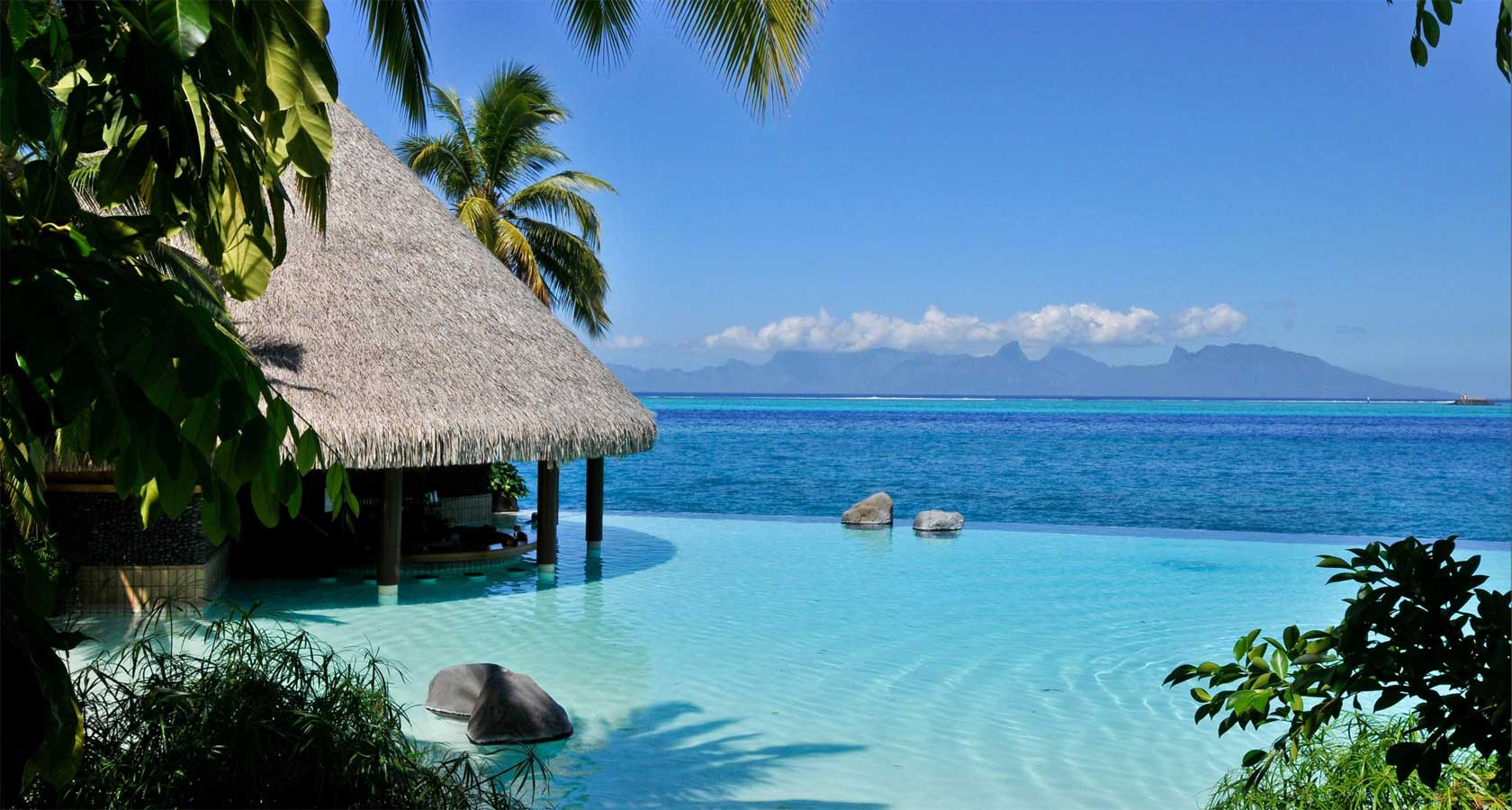 INTERCONTINENTAL RESORT TAHITI turquoise blue waters bar