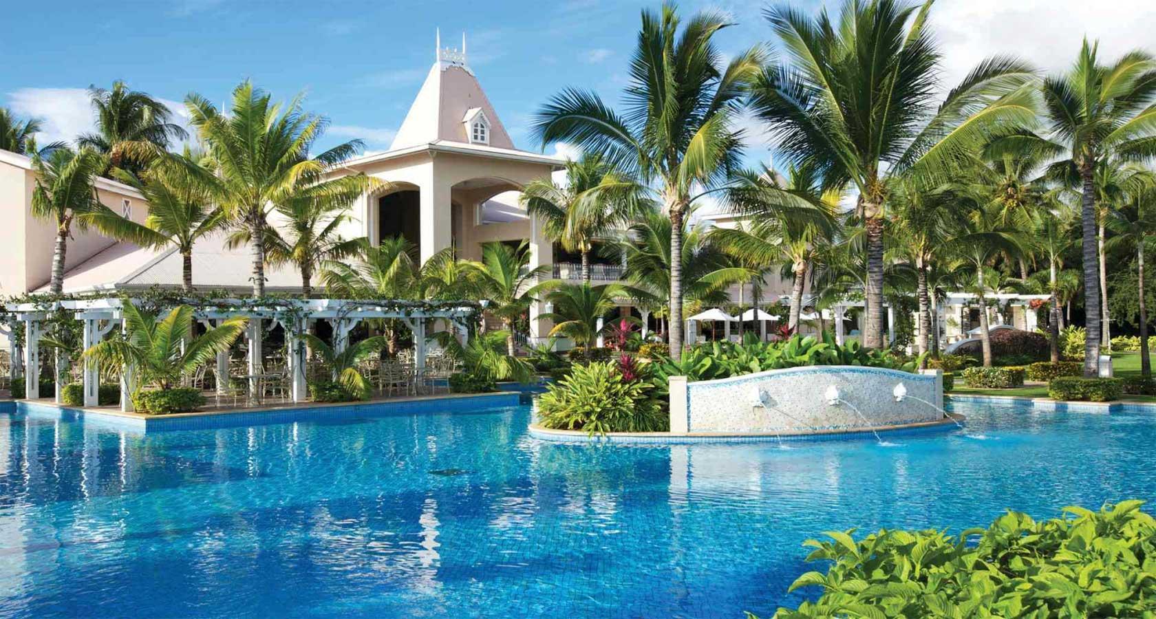 SUGAR BEACH RESORT Mauritius main pool view